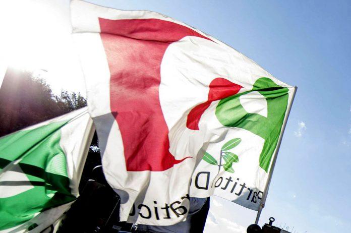 Bandiere Pd a Roma